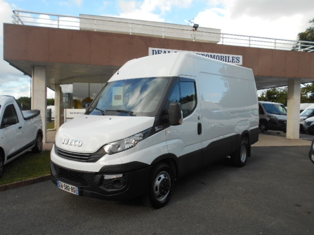 Photo 2 de l'offre de IVECO DAILY FG 35C14V12 à 29880€ chez Deal pro automobiles