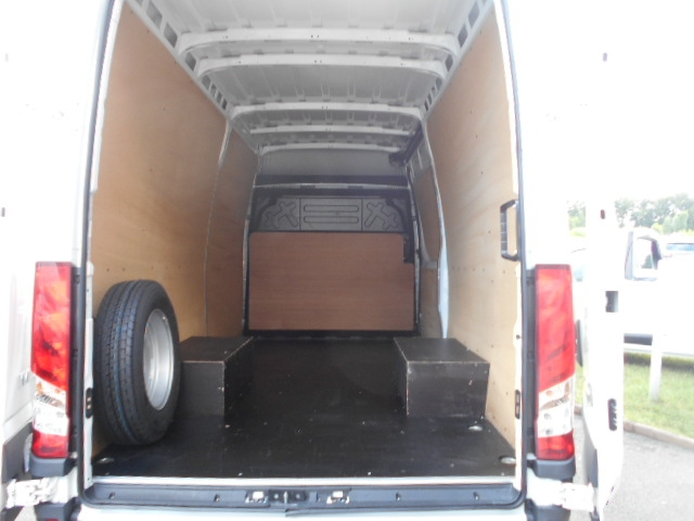 Photo 4 de l'offre de IVECO DAILY FG 35C14V12 à 29880€ chez Deal pro automobiles