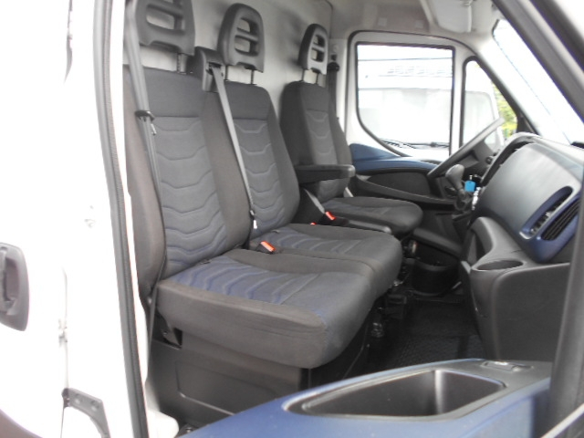 Photo 9 de l'offre de IVECO DAILY FG 35C14V12 à 29880€ chez Deal pro automobiles