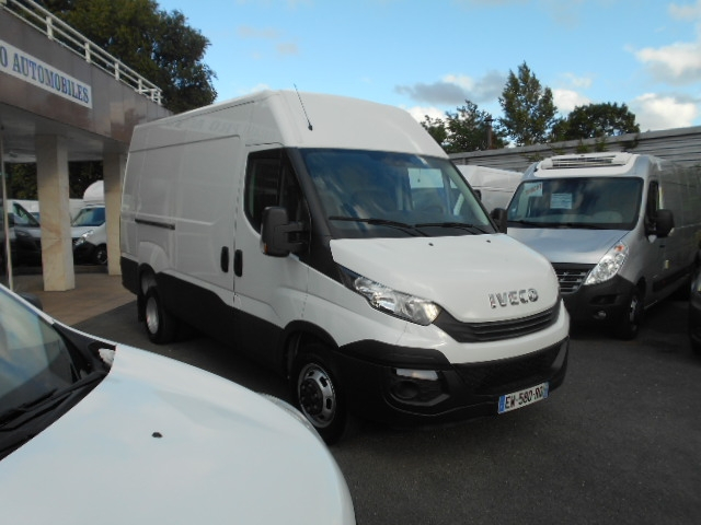Photo 11 de l'offre de IVECO DAILY FG 35C14V12 à 29880€ chez Deal pro automobiles